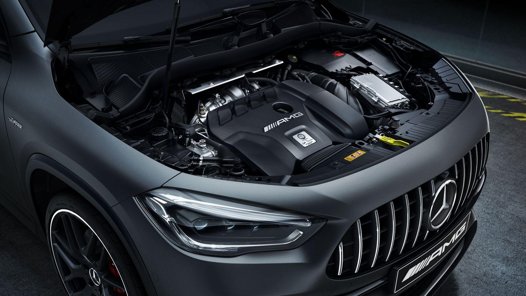 2-літровий двигун AMG з чотирма циліндрами й системою турбонаддування