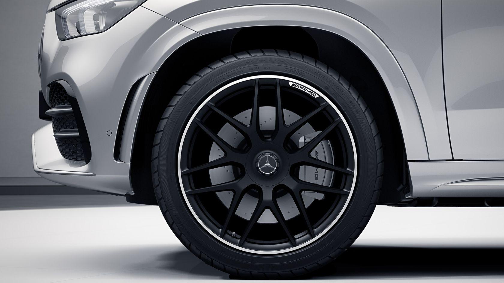 22-дюймовые легкосплавные диски колес с перекрещенными спицами