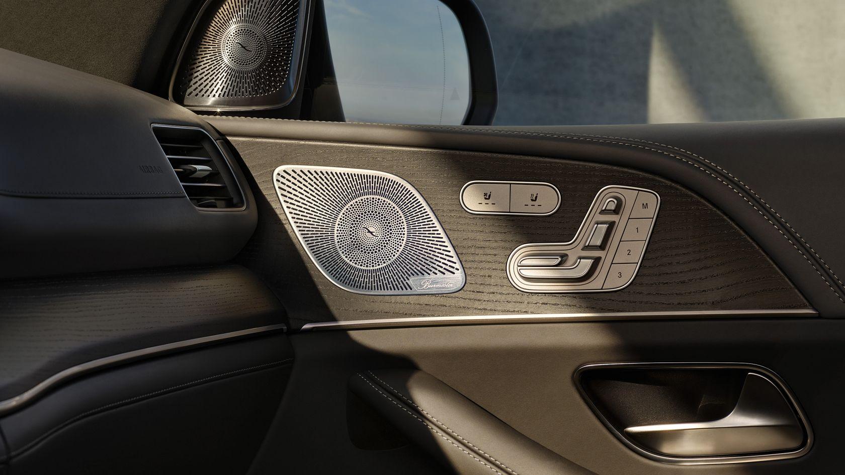 Акустична система об'ємного звучання 3D Burmester® High-End класу