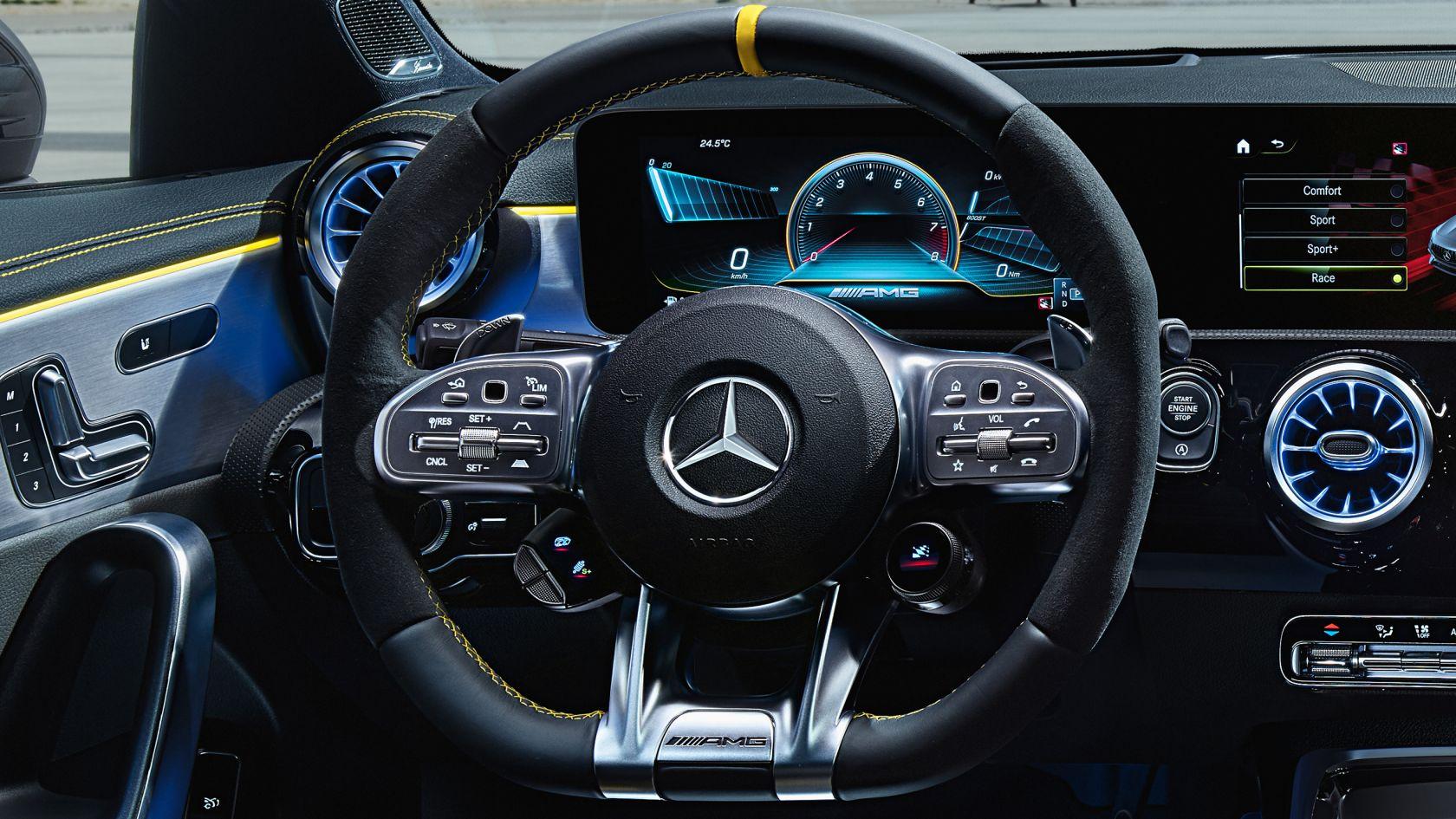 Переключатель AMG на рулевом колесе