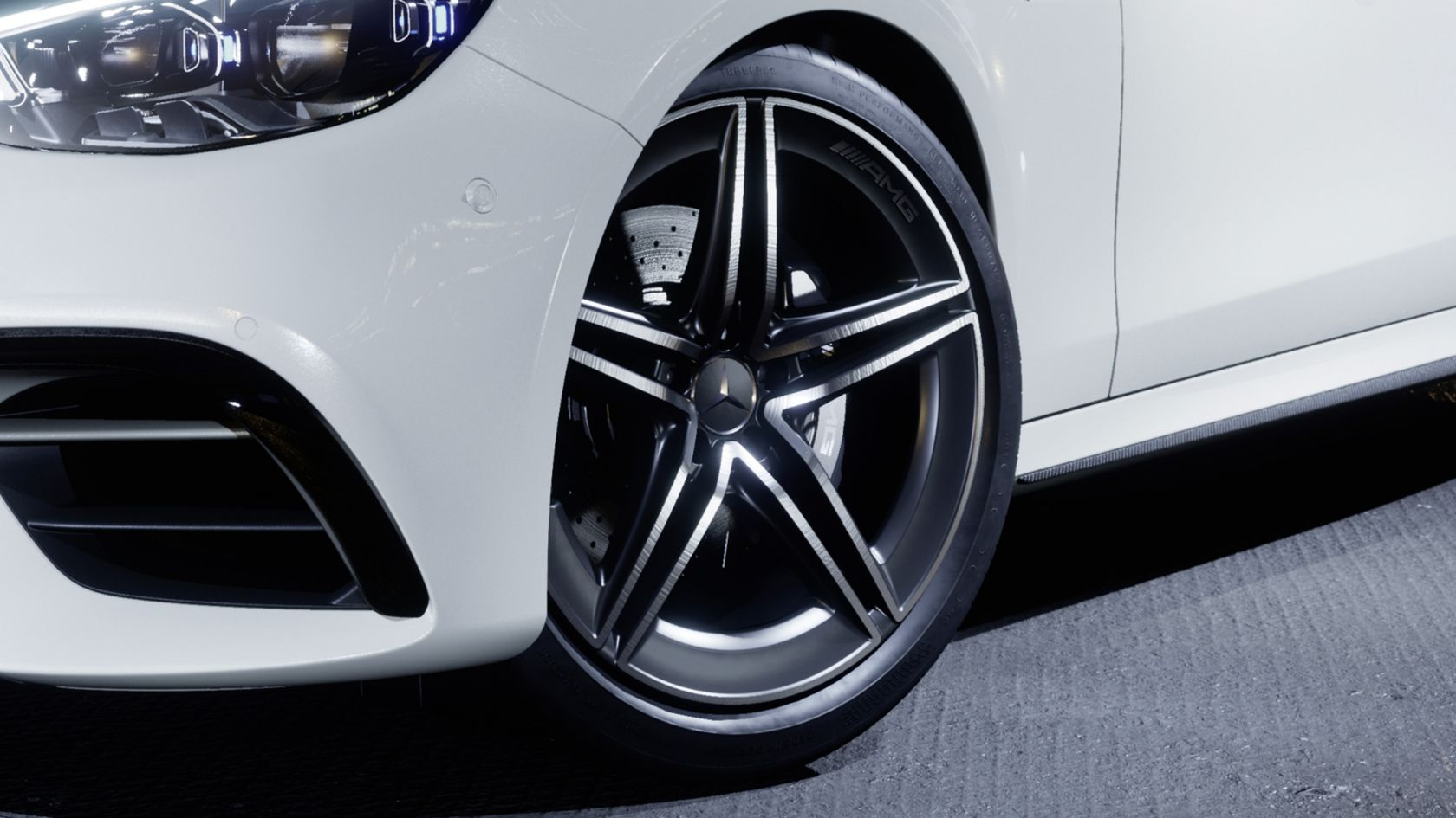 Новые легкосплавные диски колес AMG