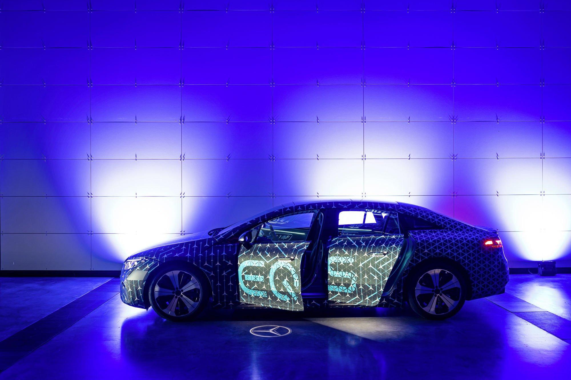 Mercedes-EQ стартував виробництво акумуляторних систем для нових EQS та примножує досвід зі створення електрокарів