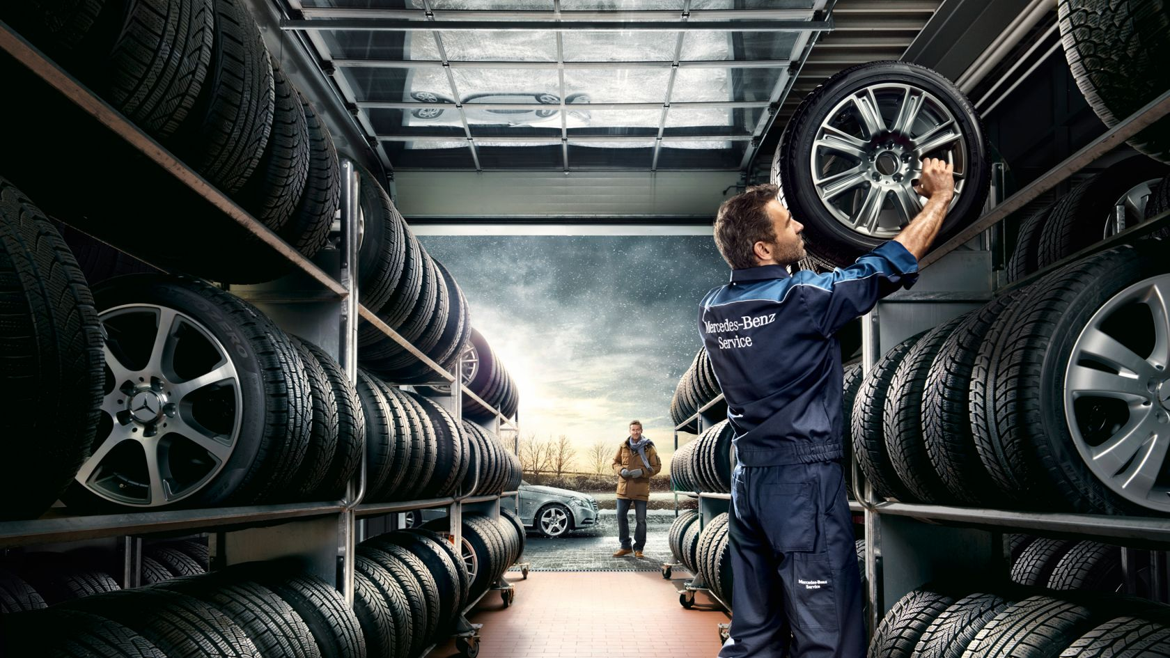 Хранение шин на территории официального сервисного центра Mercedes-Benz