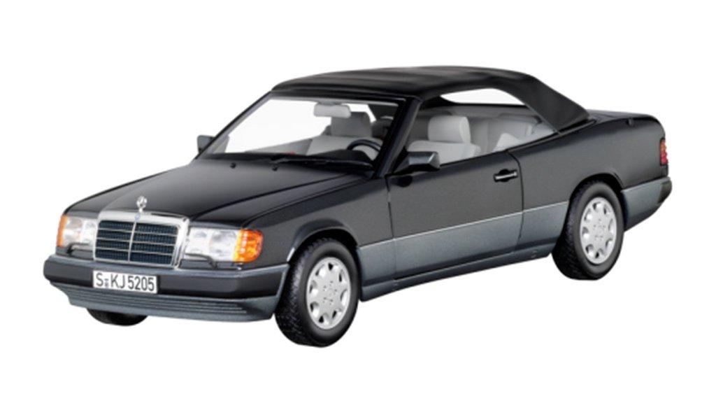 Модель коллекционная 300 CE-24 кабриолет A124 blue black 1:18 (1992-1993) b66958099